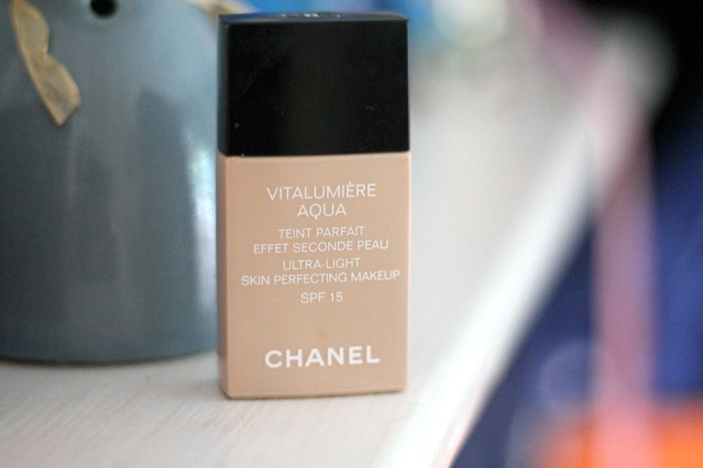 Chanel vitalumiére aqua - B10 Beige pastel